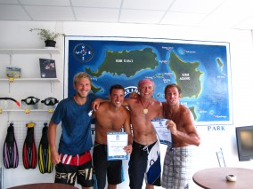 Ko Lipe Diving - DSDs with Mark and Chris